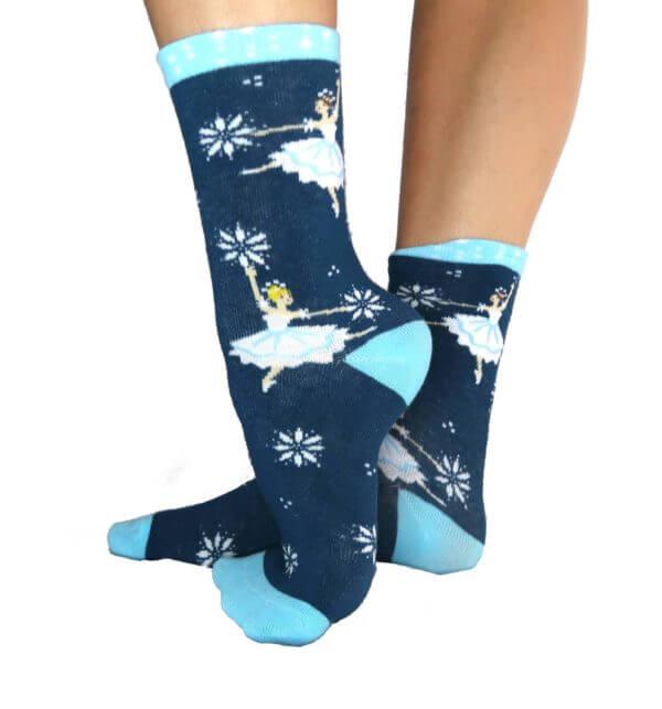 Snow Scene socks side